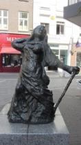 Frau aus Stahl